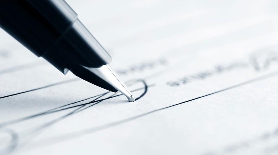 contrato_assinatura (Foto: Shutterstock)