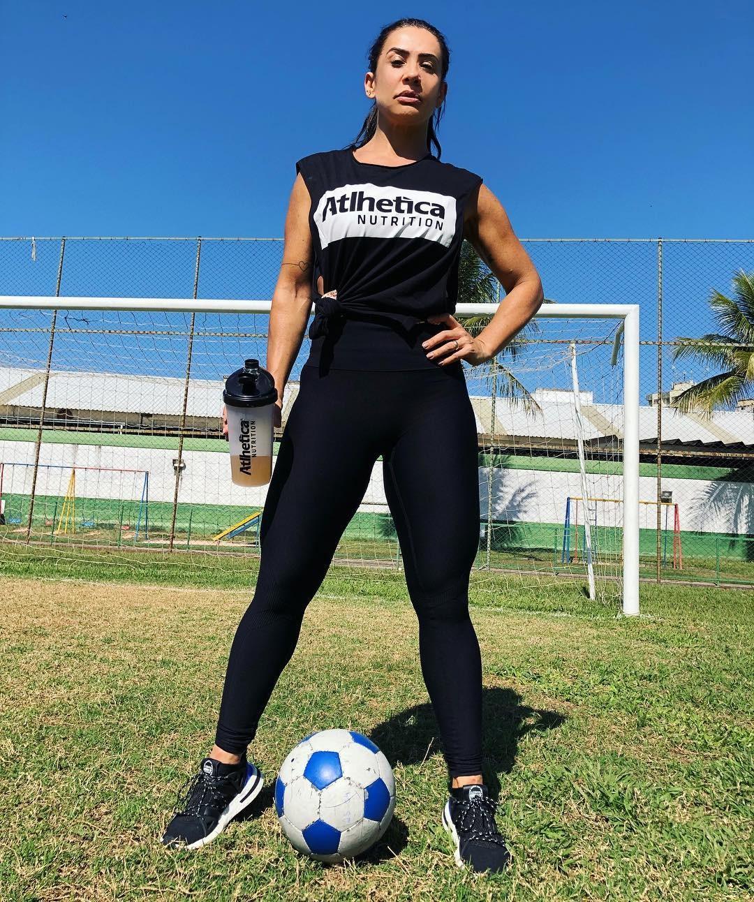 Scheila Carvalho: Estou pronta!!! Pronta pra gritar muito!!! Vaiiiiiii Brasil!!!!!! (Foto: Reprodução/Instagram)
