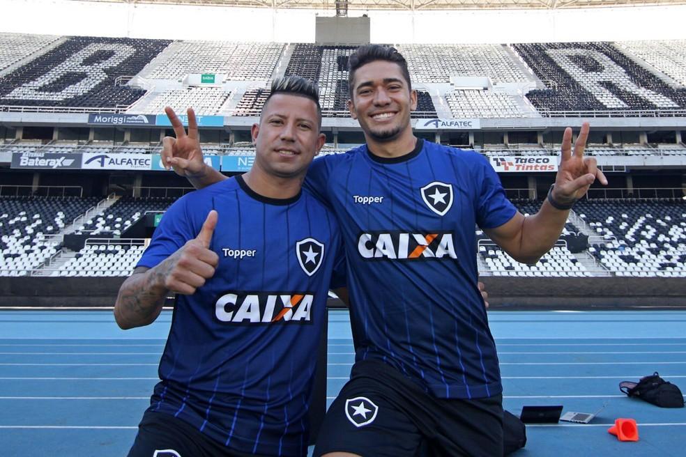 Leo Valencia e Jean: jogadores seguem no Botafogo em 2019 — Foto: Vitor Silva/SSPress/Botafogo.