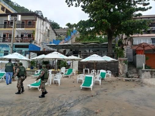 Seis estabelecimentos são multados por descumprirem decreto e abrirem na orla de Ponta Negra, em Natal