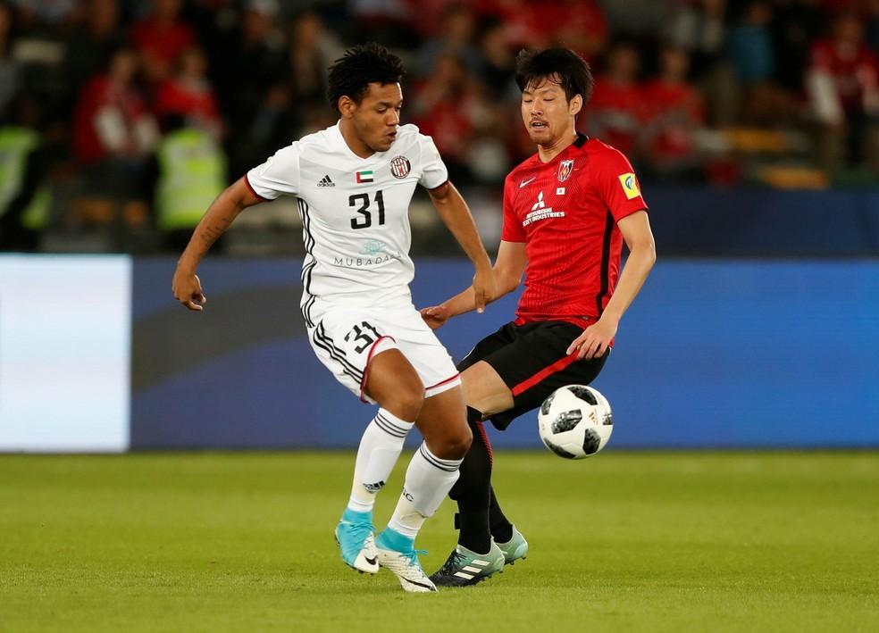 Romarinho fez um gol e deu uma assistência, sendo decisivo nos dois jogos do Al Jazira (Foto: Reuters)