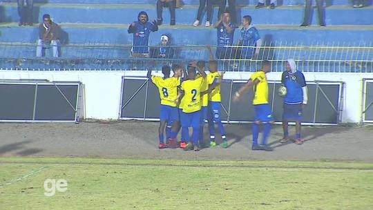 Leandro controla euforia após goleada do São José e espera que time mantenha intensidade