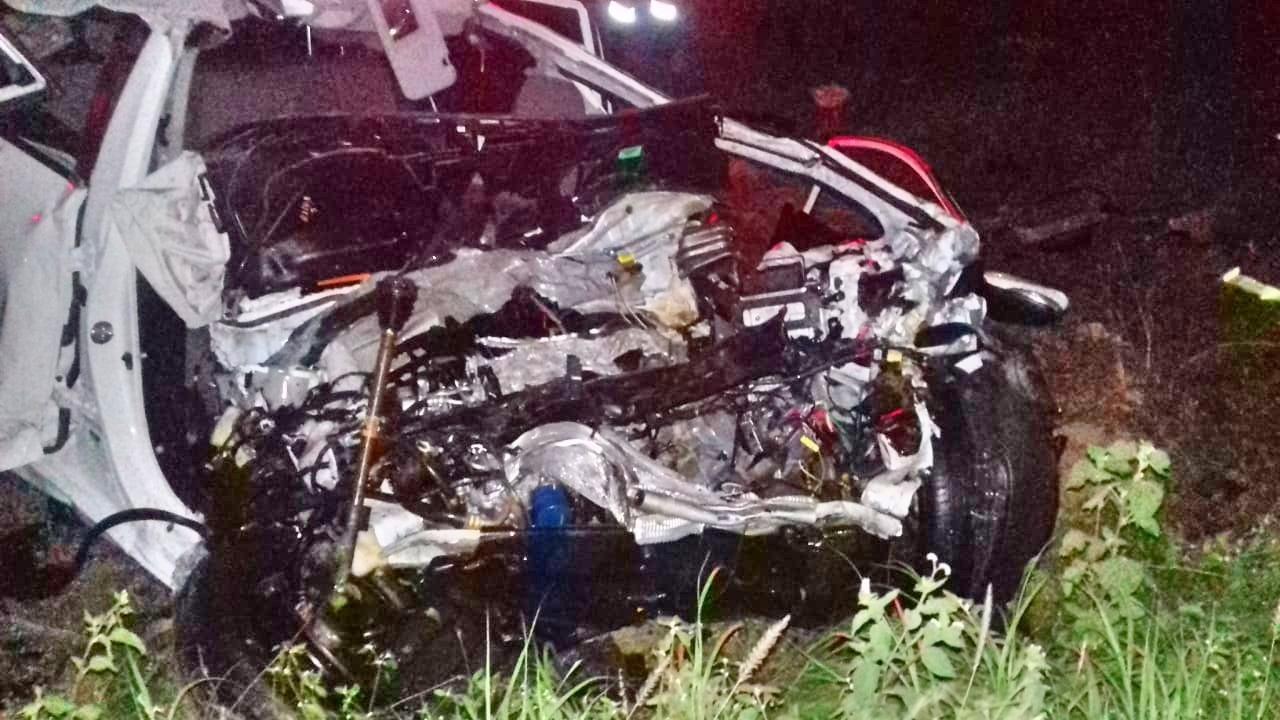 Colisão entre carro e caminhão deixa mulher morta na BR-232, em Pesqueira - Notícias - Plantão Diário