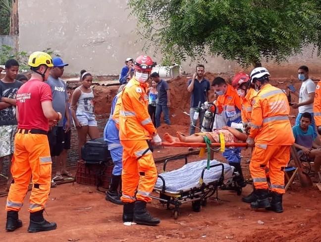 'Obrigada pelas orações', diz criança em vídeo após ter sido resgatada de buraco em Uberlândia