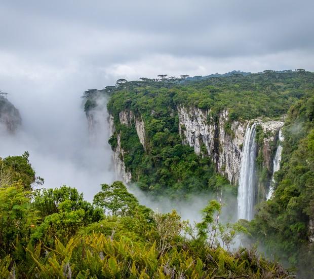 Cânion Itaimbézinho, entre o Rio Grande do Sul e Santa Catarina (Foto: Thinkstock)