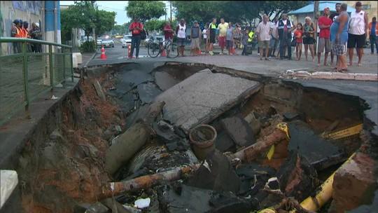 Chuva forte alaga ruas e deixa o Rio em estágio de atenção