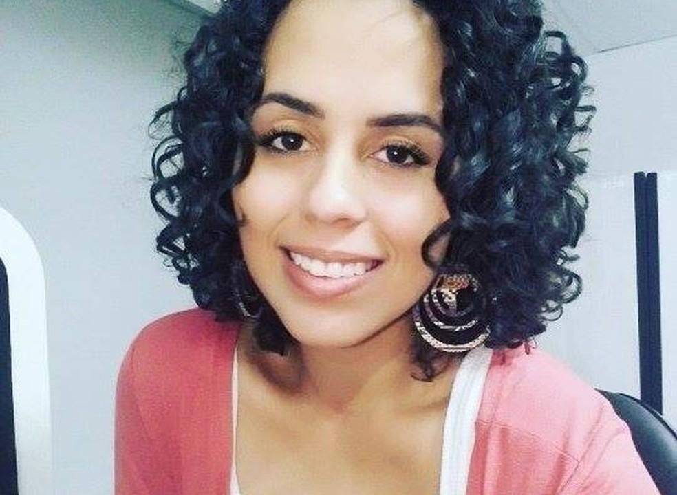 Jovem foi morta por asfixia e ex-noivo é suspeito de cometer o crime no Espírito Santo (Foto: Reprodução/ Facebook)