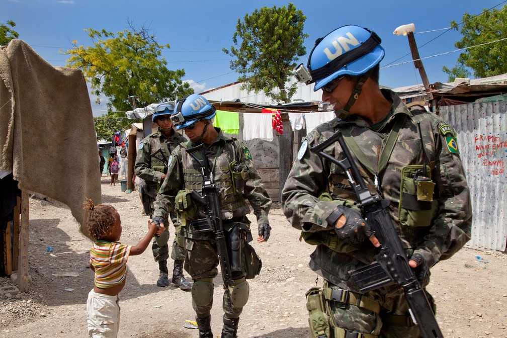 ... Militares da Minustah no Haiti — Foto  UN MINUSTAH Jesús Serrano Redondo 70a7b2c5ddd