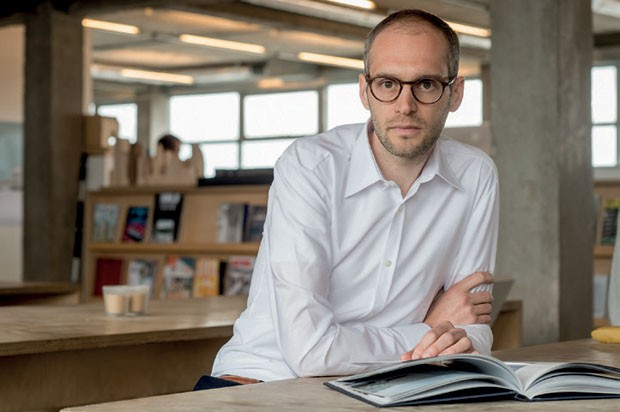 Simon Kretz é o protégé de David Chipperfield no Rolex Arts Initiative (Foto: Tina Ruisinger/ Divulgação Rol)