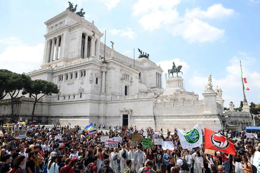 ap19144422379641 - Estudantes vão às ruas para o segundo protesto global contra a mudança climática