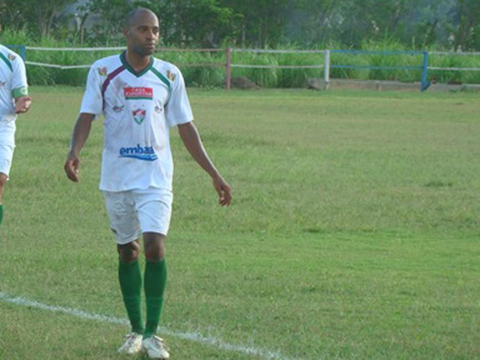 Alexsandro em treino com o Fluminense de Feira, no ano de 2014 — Foto: Sidnei Campos/Site Oficial Fluminense de Feira F.C.