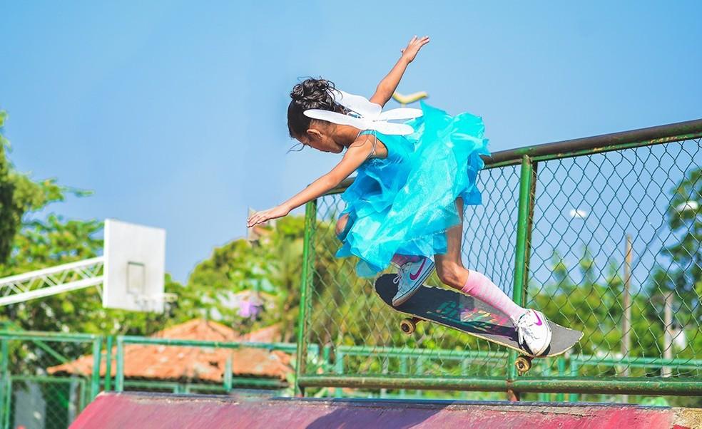 Rayssa Leal ficou famosa após um vídeo em que aparece fazendo manobras de skate vestida de fada — Foto: Arquivo pessoal