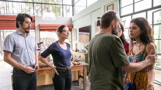 Laila chega com a família no Brasil e tem encontro marcado com Jamil em 'Órfaõs da Terra'
