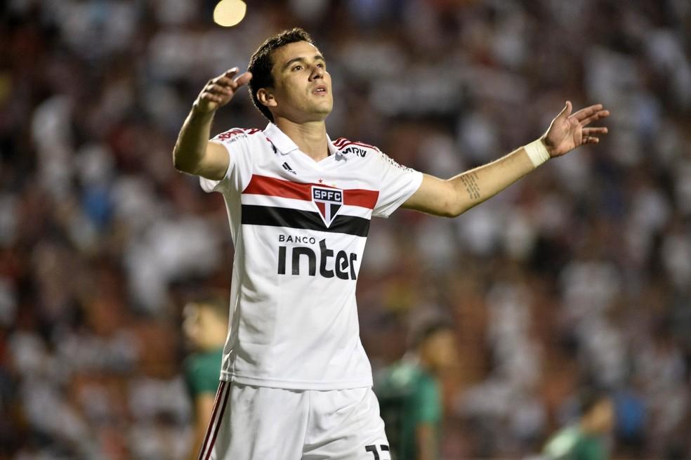 Pablo, que teve gol bem anulado, lamenta tropeço contra o Guarani — Foto: Marcos Ribolli