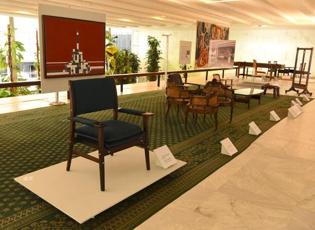 Peças de mobiliário do Palácio Itamaraty são temas de exposição (Foto: Selvvva/ Divulgação)