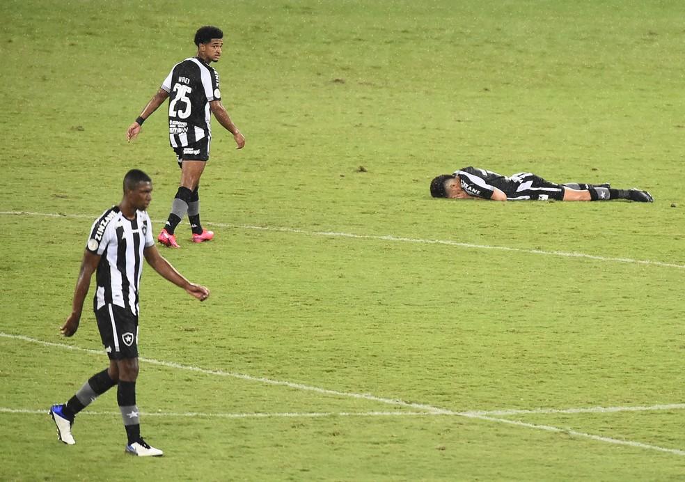 Jogo contra o Fortaleza só aconteceu porque clube teve ajuda para bancar despesas — Foto: André Durão/ge