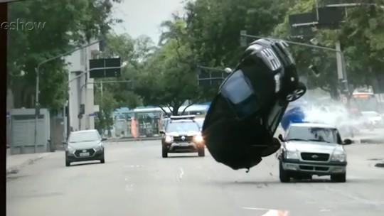 Veja como foi gravada cena de capotamento e acidente de Roberval em 'Segundo Sol'