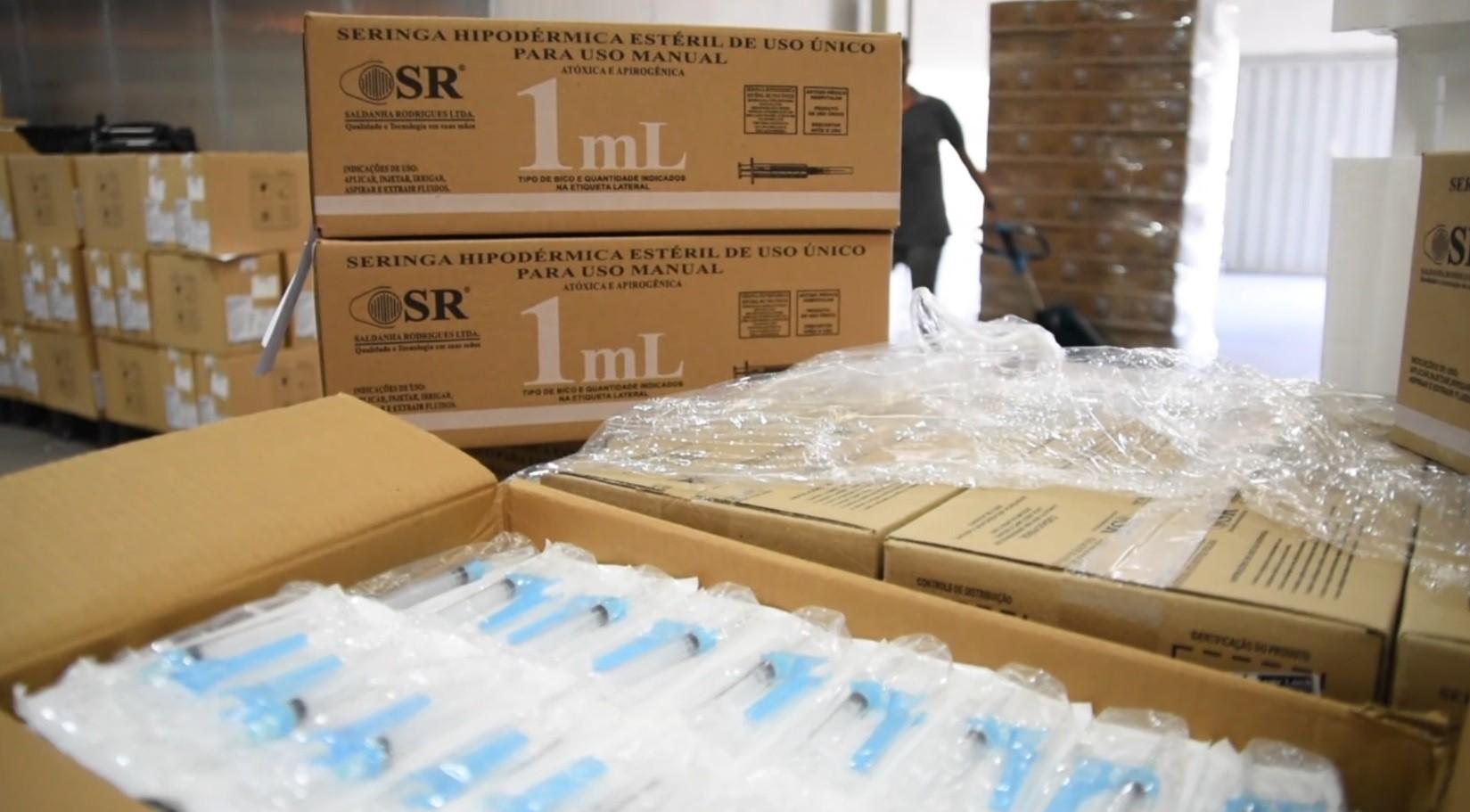 Uberaba recebe 100 mil seringas para vacina contra Covid-19 e prefeita atualiza situação dos leitos