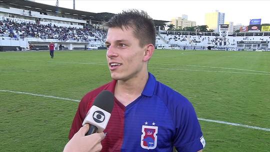 """João Pedro comemora golaço pelo Paraná contra a Ponte: """"Mais bonito da carreira"""""""