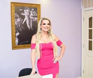 Ela largou emprego em banco para abrir clínica de estética e hoje fatura R$ 20 milhões com franquias
