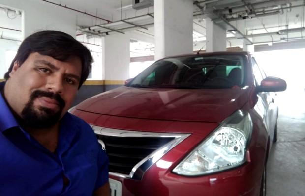 O leitor Rafael com seu Nissan Versa 2017 (Foto: Arquivo Pessoal)