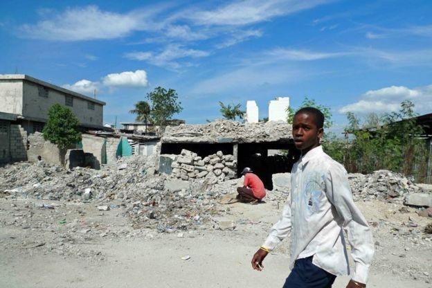 Terremoto de 2010 no Haiti provocou uma das maiores catástrofes globais em tempos recentes (Foto: BBC )