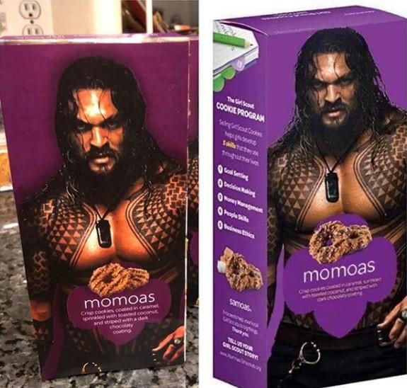 Charlotte Holmberg fez um trocadilho com seus biscoitos e o nome do ator de Aquaman, Jason Momoa (Foto: girlscoutsofcolorado / Facebook)