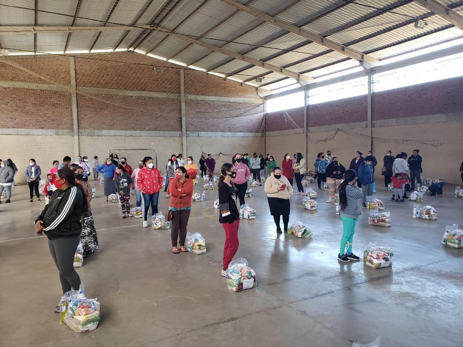 Ação entrega mais de 4 mil cestas básicas e kits de higiene para famílias de Montenegro e Triunfo