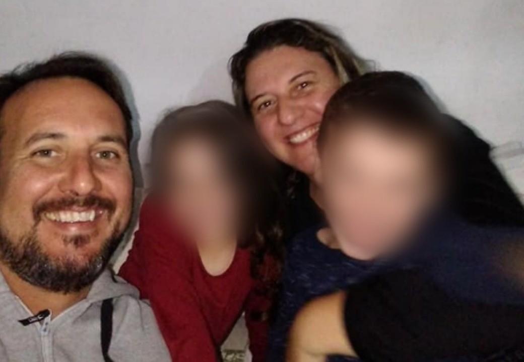 Acidente deixa 4 mortos após carro sair da pista, capotar e ficar submerso em local alagado em Capão do Leão, diz PRF