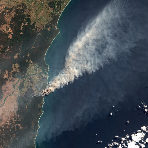 SHARK CREEK, NORTHERN NEW SOUTH WALES, AUSTRALIA - 8 SEPTEMBER 2019: Fires in Clarence Valley at Shark Creek and Yuraygir National Park in Northern New South Wales, Australia. Smoke extending out over the South Pacific Ocean. (Photo by Orbital Horizon/Cop (Foto: Gallo Images via Getty Images)