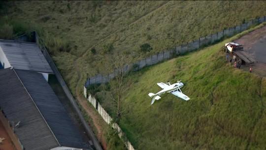 Avião de pequeno porte sofre acidente na Grande SP