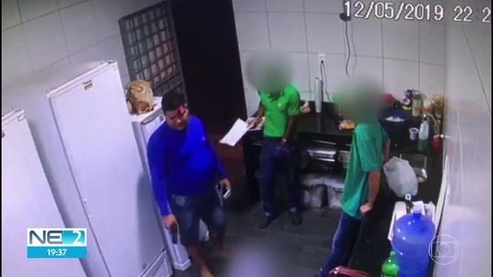 Câmeras de segurança flagram assalto a restaurante em Camaragibe