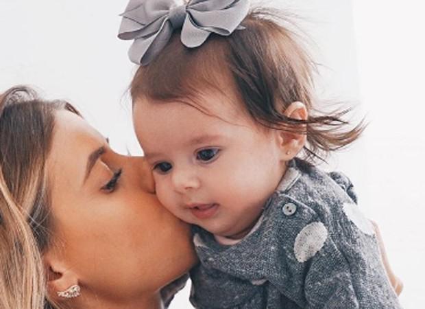 Maruia Eduarda e a mãe, Carol Cabrino (Foto: Reprodução/Instagram)