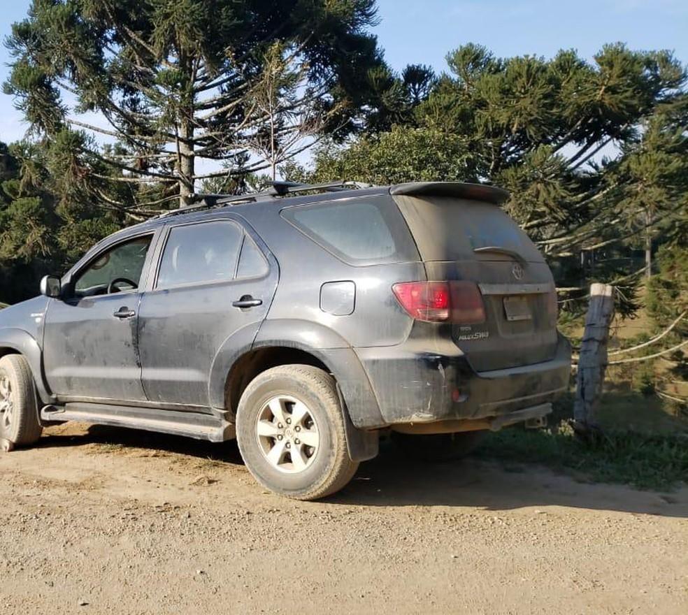 Carro de argentino encontrado morto em Alfredo Wagner nesta sexta-feira (9) — Foto: IGP/Divulgação