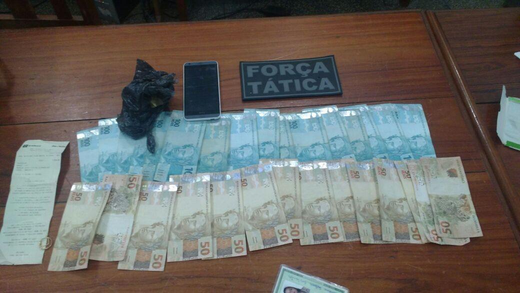 Casal é preso com porção de crack e R$ 2,3 mil em praça na orla de Macapá