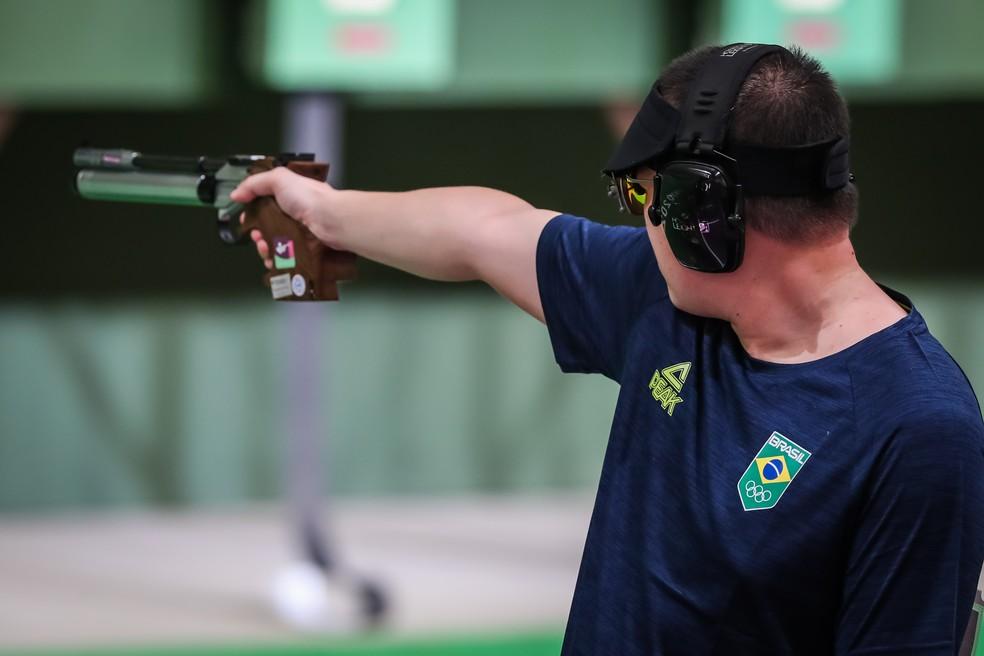 Felipe Wu, atirador brasileiro em Tóquio — Foto: Wander Roberto/COB