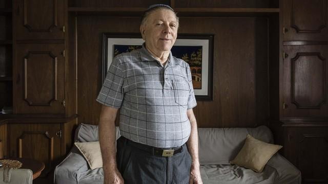 Romeno radicado no Brasil, Joshua Strul relembra à BBC Brasil vida em gueto com família durante 2ª Guerra Mundial (Foto: Gui Christ/BBC Brasil)