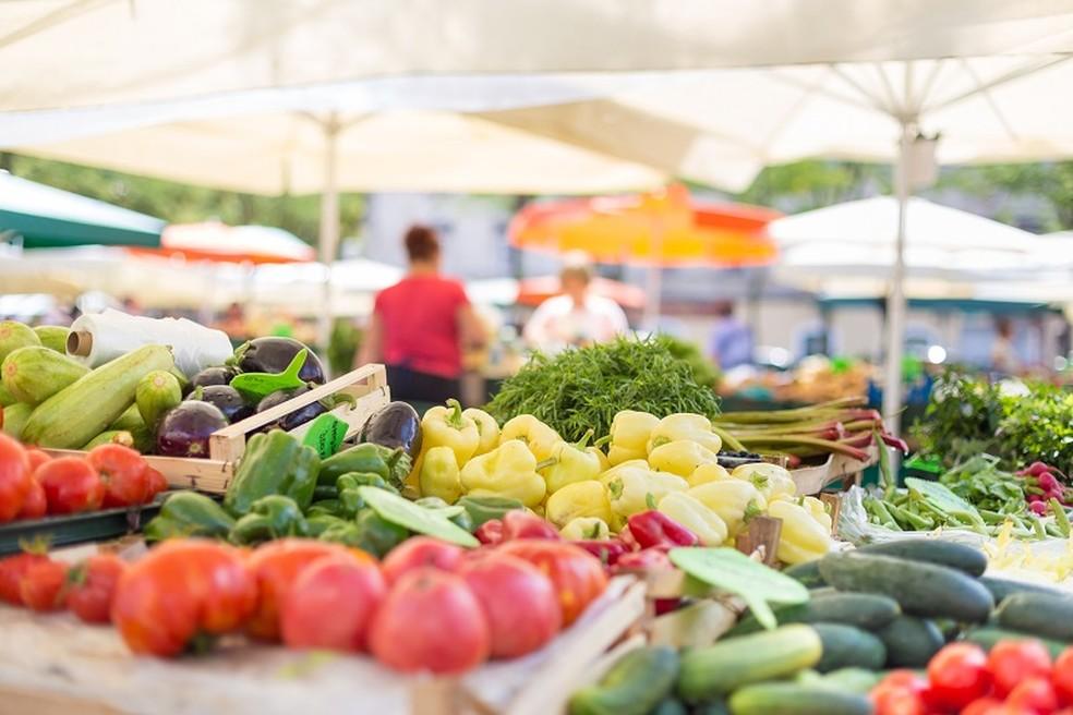 Preços dos alimentos e bebidas caíram pelo segundo mês seguido, segundo o IBGE — Foto: Divulgação