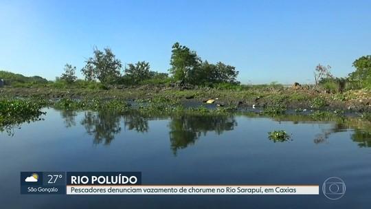 Pescadores denunciam vazamento de chorume no Rio Sarapuí, em Caxias