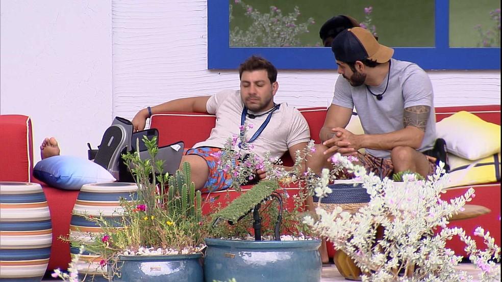 Caio opina sobre brother do BBB21: 'Não dá para confiar nele' — Foto: Globo