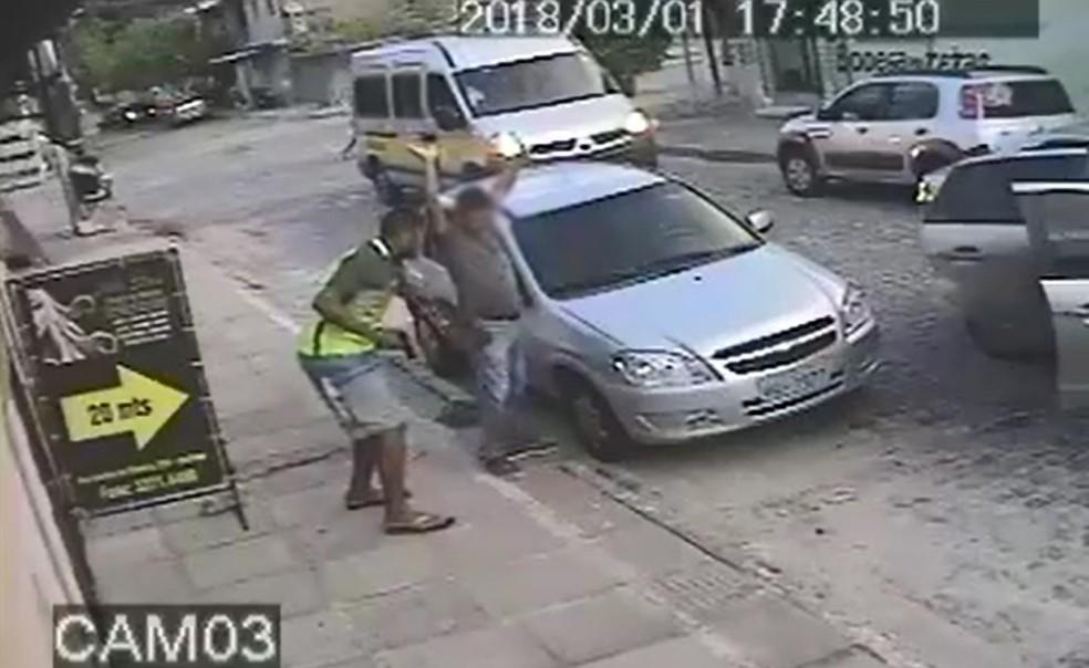 Grupo foi identificado a partir de imagens de câmeras de seguranças que registraram um dos crimes (Foto: Polícia Civil/Divulgação)