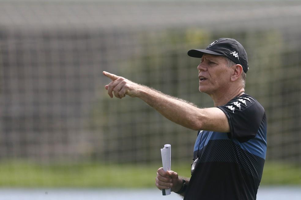 Paulo Autuori completa 20 dias à frente do Botafogo nesta quarta-feira — Foto: Vitor Silva/Botafogo