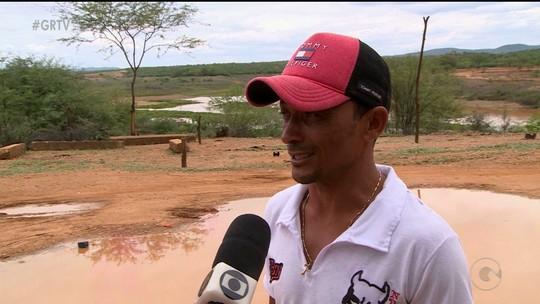 Chuva abastece açude no povoado Boa Vista