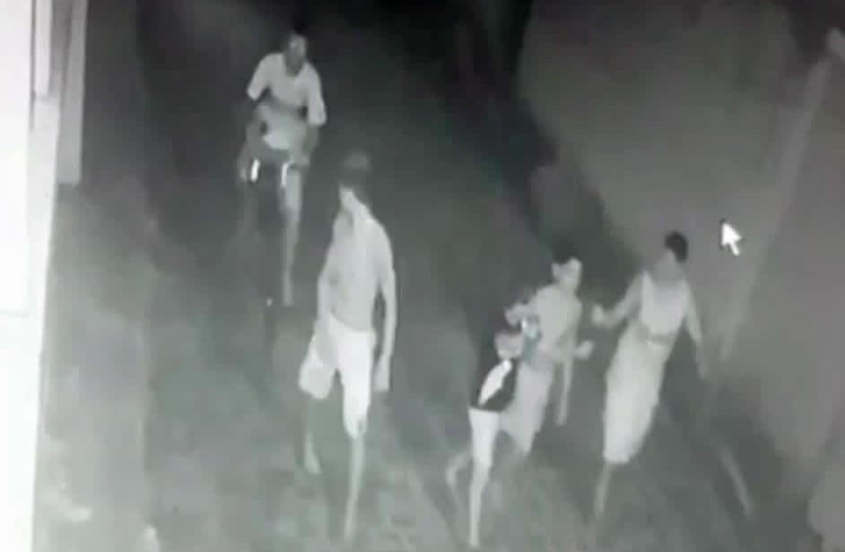 Adolescente de 15 anos é morto a tiros enquanto andava com amigos em rua de Goiana; veja vídeo