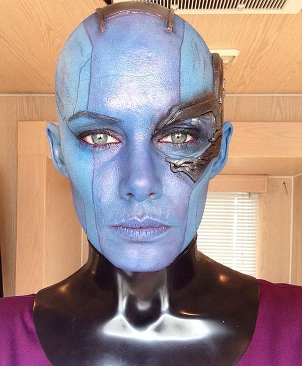 Olivia Jackson como dublê de Karen Gillan em Guardiões da Galáxia (2014) (Foto: Reprodução Facebook)