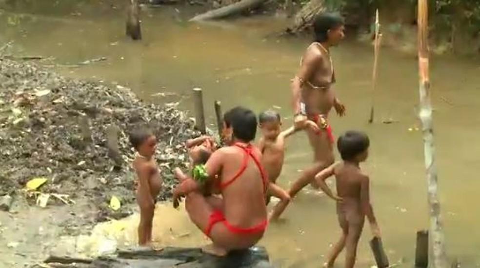 Indígenas do Acre vão receber cestas de alimentos (Foto: Reprodução/Rede Amazônica Acre)