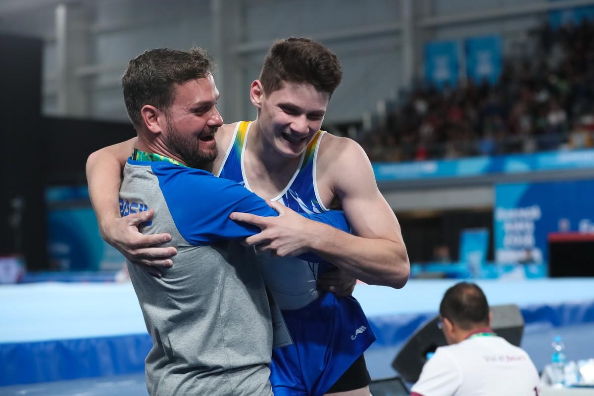 Franco atirador  confusão de russos coloca ginasta brasileiro em final dos  Jogos da Juventude  5ba5645b035ad