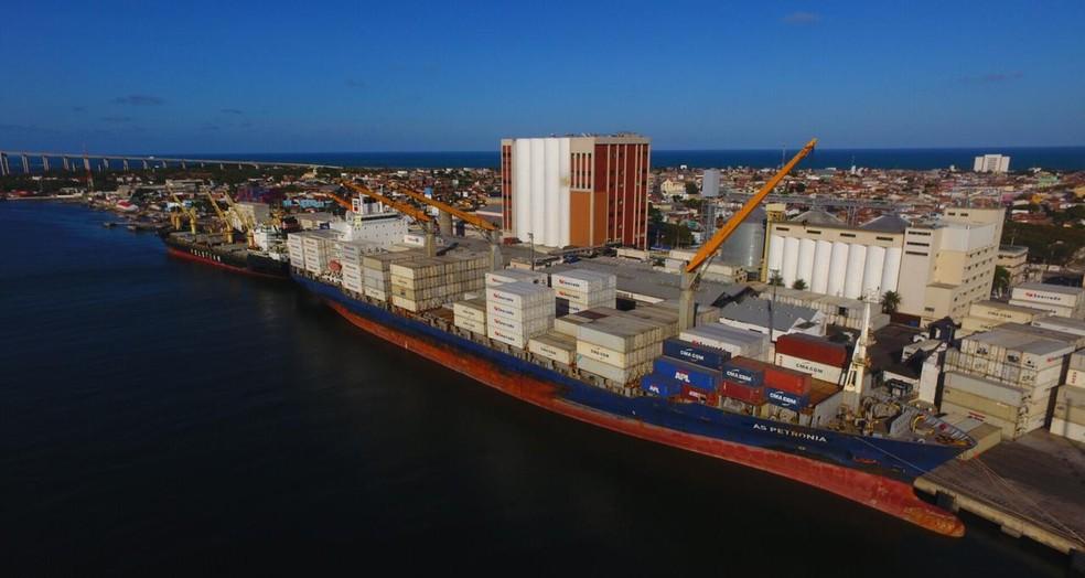 Droga estava no Porto de Natal, em meio a uma carga de sal que iria para a Europa — Foto: Canindé Soares