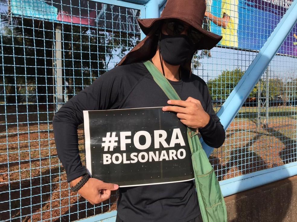 Manifestante em Campo Grande, MS — Foto: Ludi Ciani/TV Morena