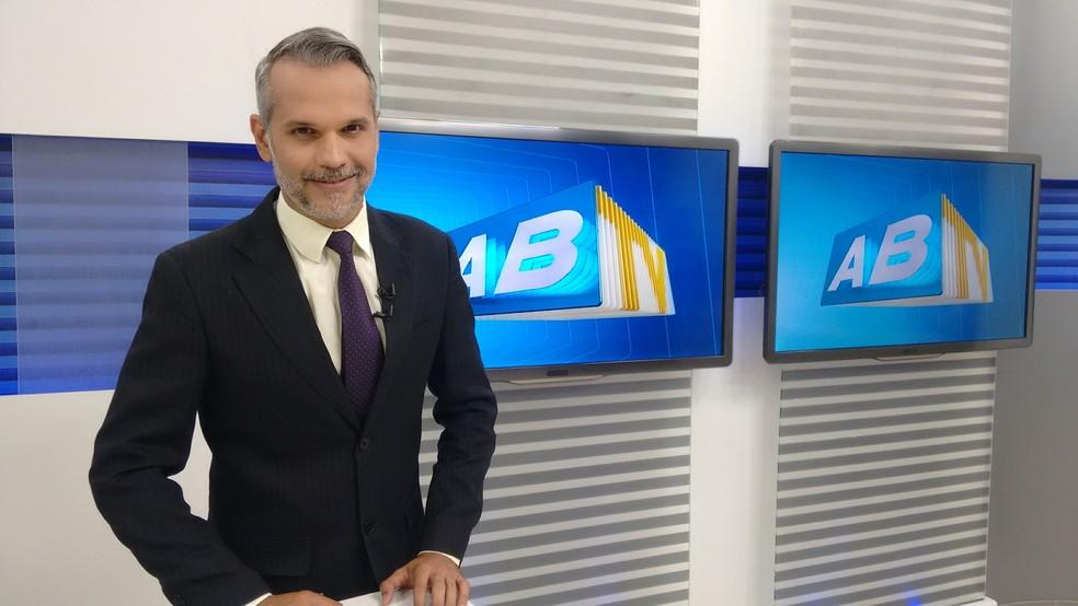 Alexandre Farias é editor e apresentador do ABTV 2ª Edição (Foto: Mavian Barbosa/G1)